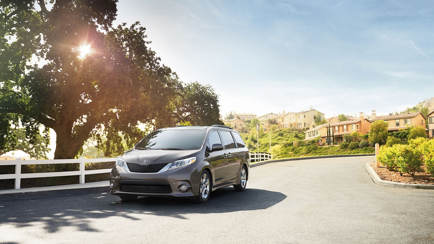 2017 Toyota Sienna for Sale near Belleville, IL