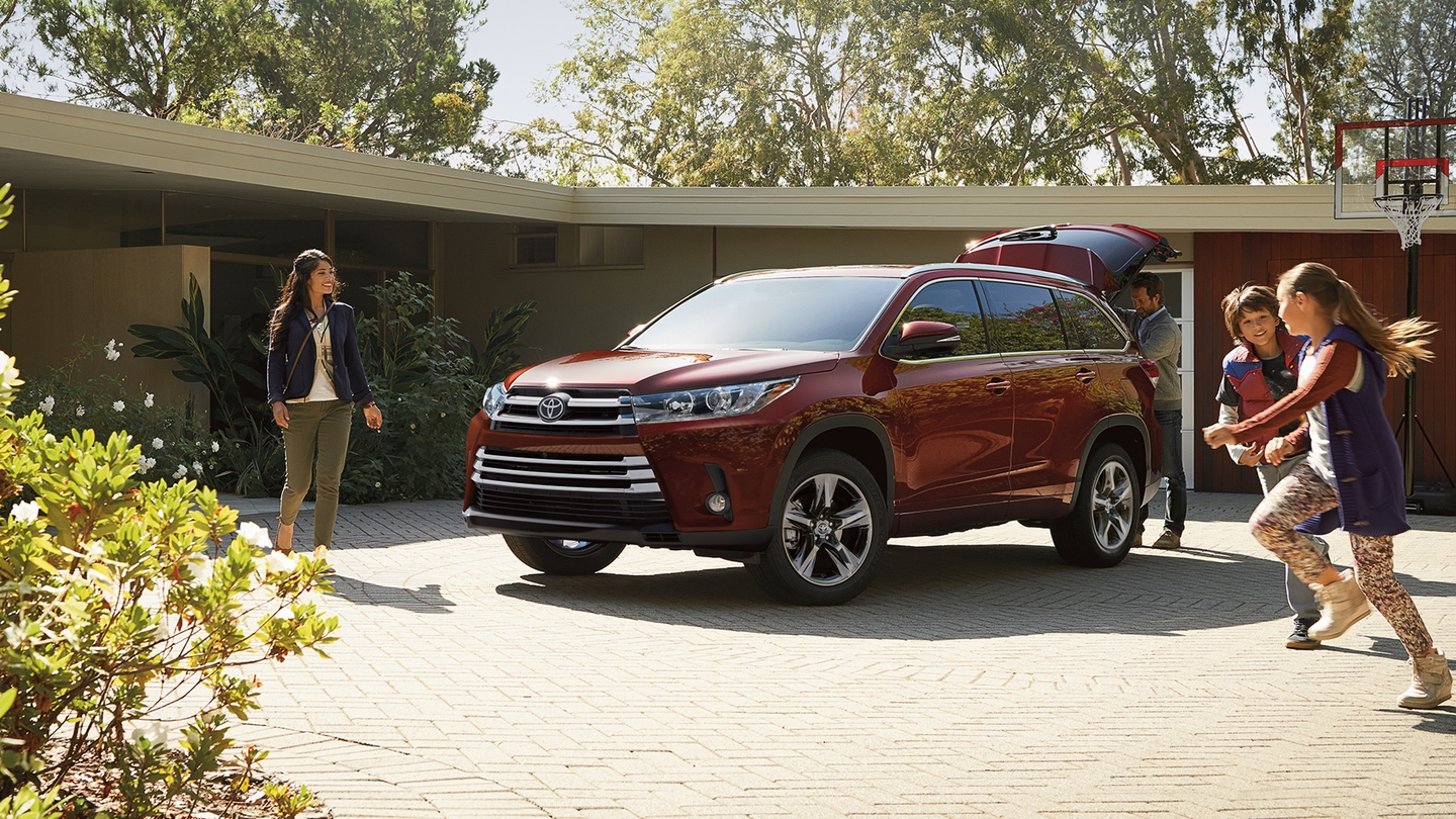 2017 Toyota Highlander for Sale near Edwardsville, IL