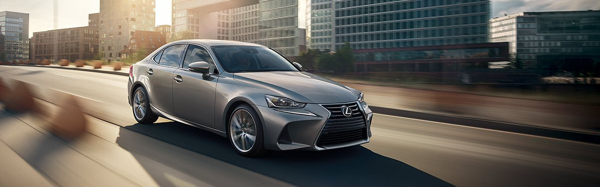2017 Lexus IS 300 Technology Features near Washington, DC