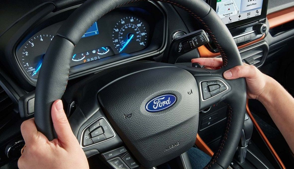 Steering Wheel-Mounted Controls in the 2018 EcoSport