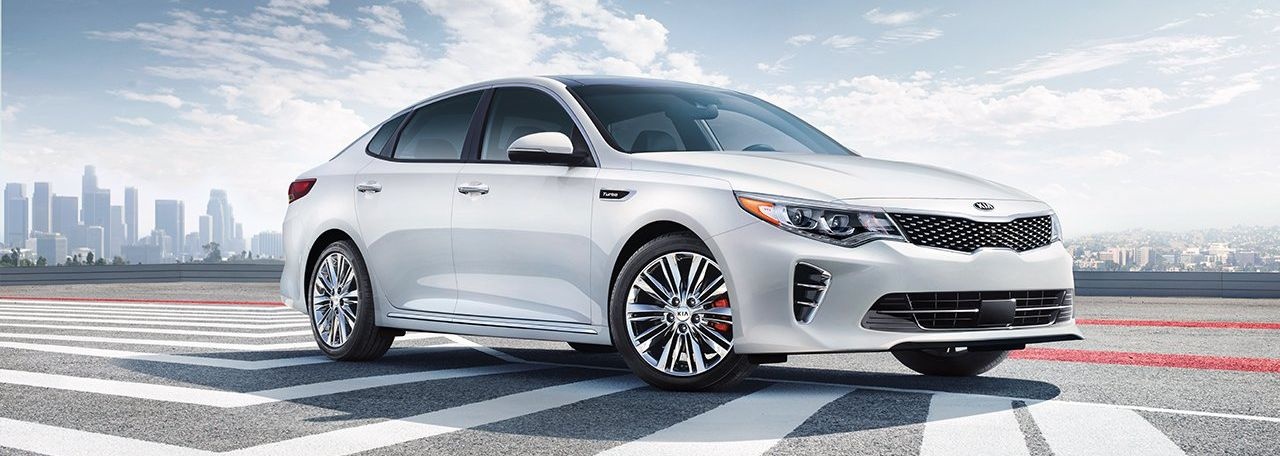2017 Kia Optima for Sale in Bedford, OH