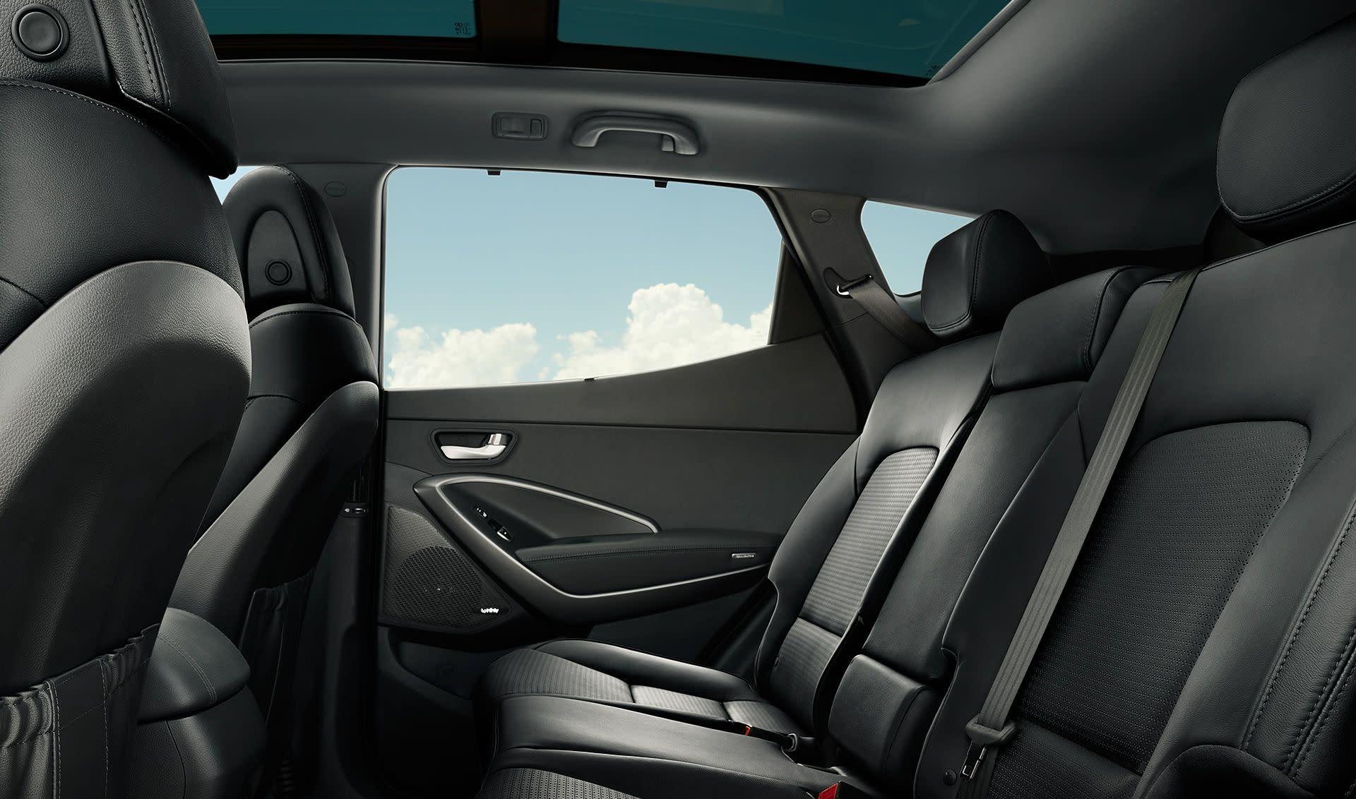 Hyundai santa fe sport 2018 a la venta en fredericksburg va pohanka hyundai of fredericksburg for Hyundai santa fe sport interior dimensions