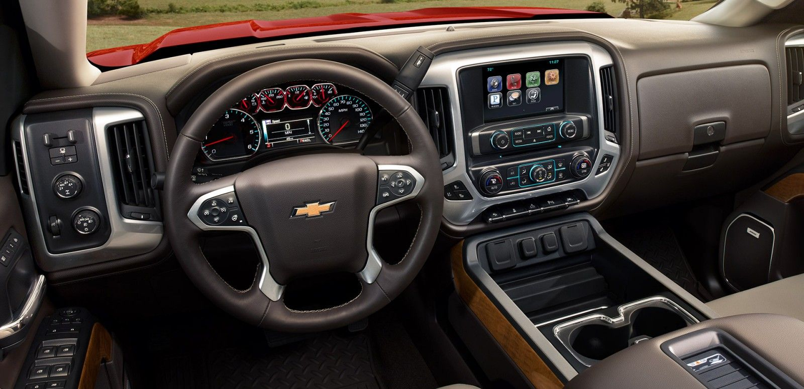 Technologically Advanced Interior of the Silverado 1500