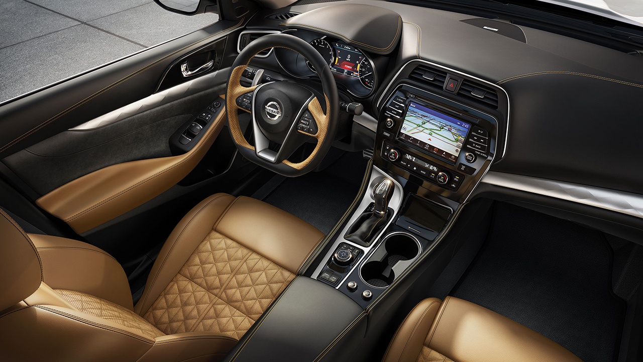 2107 Maxima Interior in Premium Camel Leather