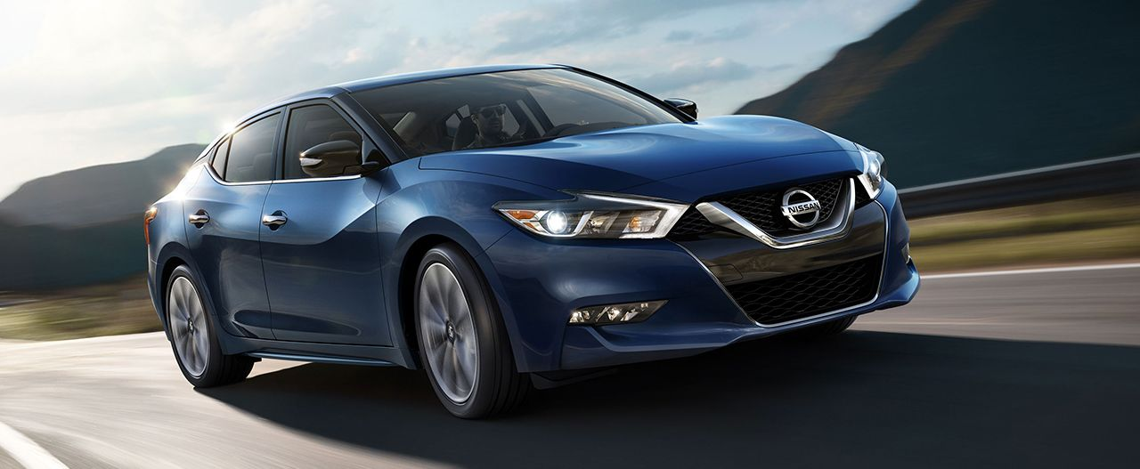 2017 Nissan Maxima vs 2017 BMW 3 Series near Millbury, MA