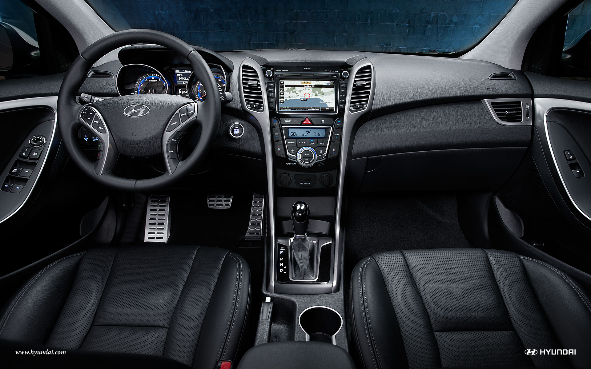 Elantra GT with 8-inch Touchscreen
