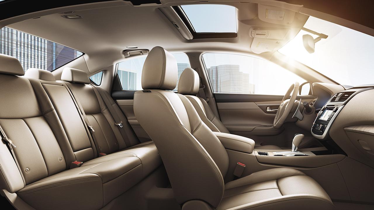 2018 Nissan Altima Leasing In Elgin Il Mcgrath Rotate Tires Interior