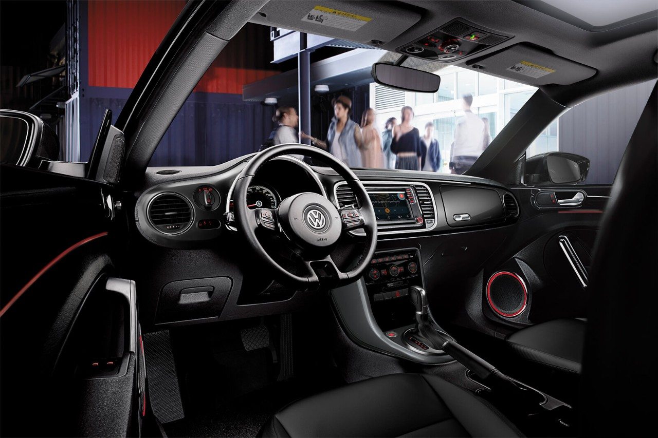 Interior of the 2018 VW Beetle