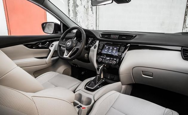 Spacious Interior of the 2017 Nissan Rogue Sport