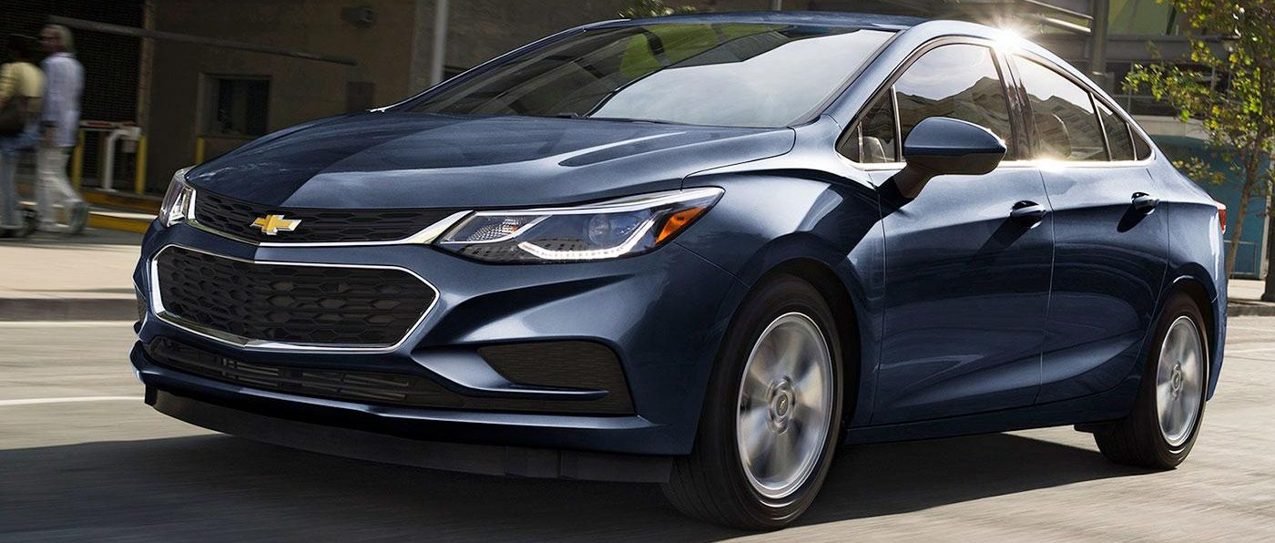 Chevrolet Cruze Owners Manual: Tire Pressure Light