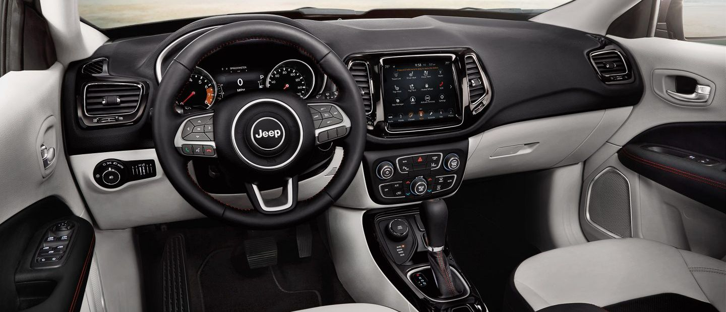 Tech-Loaded Interior of the 2018 Jeep Compass