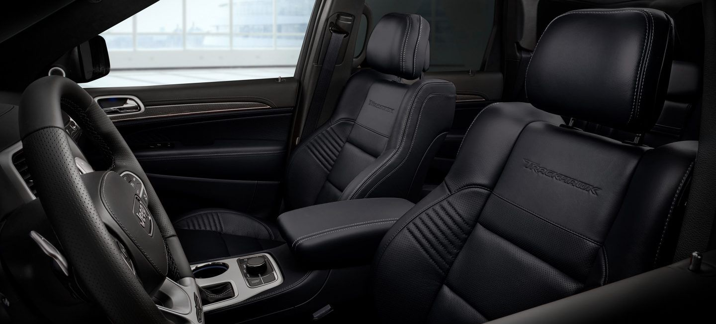 Interior of the 2018 Jeep Grand Cherokee
