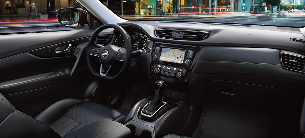 Tech-Loaded Interior of the 2018 Nissan Rogue
