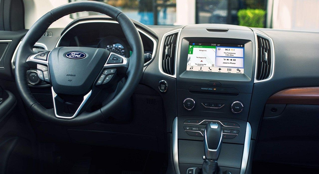 Tech-Loaded Interior of the 2018 Ford Edge