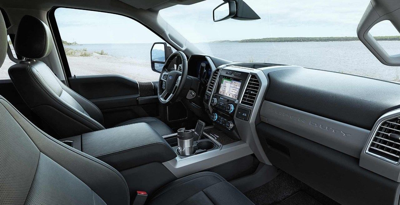Spacious Cabin of the 2018 Ford F-250 Super Duty