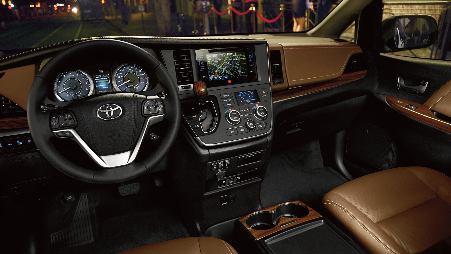 Interior of the 2018 Toyota Sienna