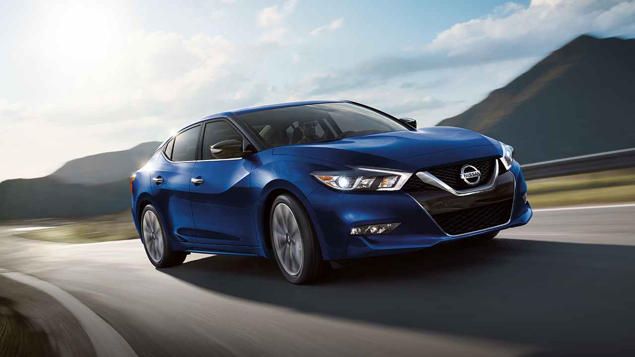 2018 Nissan Maxima vs 2018 Toyota Avalon near Chicago, IL