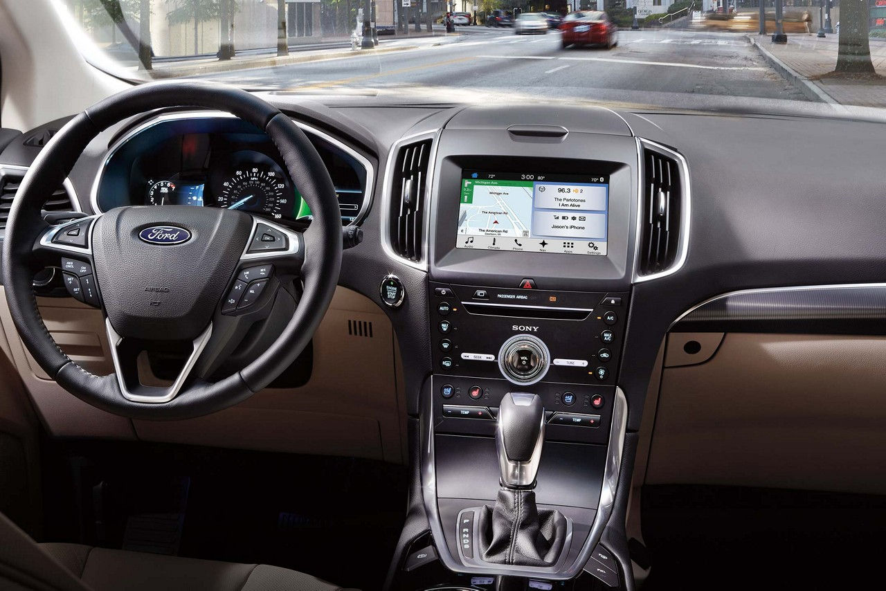 2018 ford edge interior with optional technology