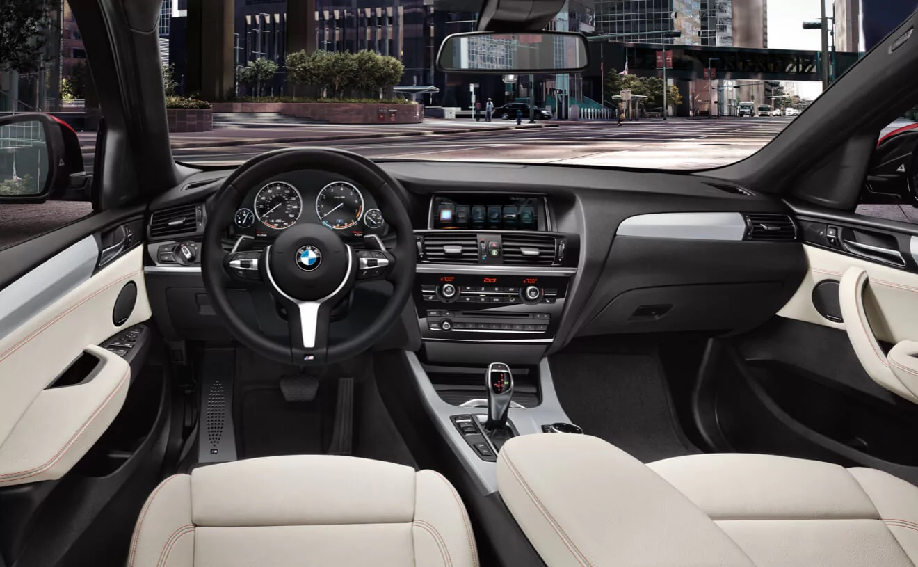 Interior of the 2018 BMW X4