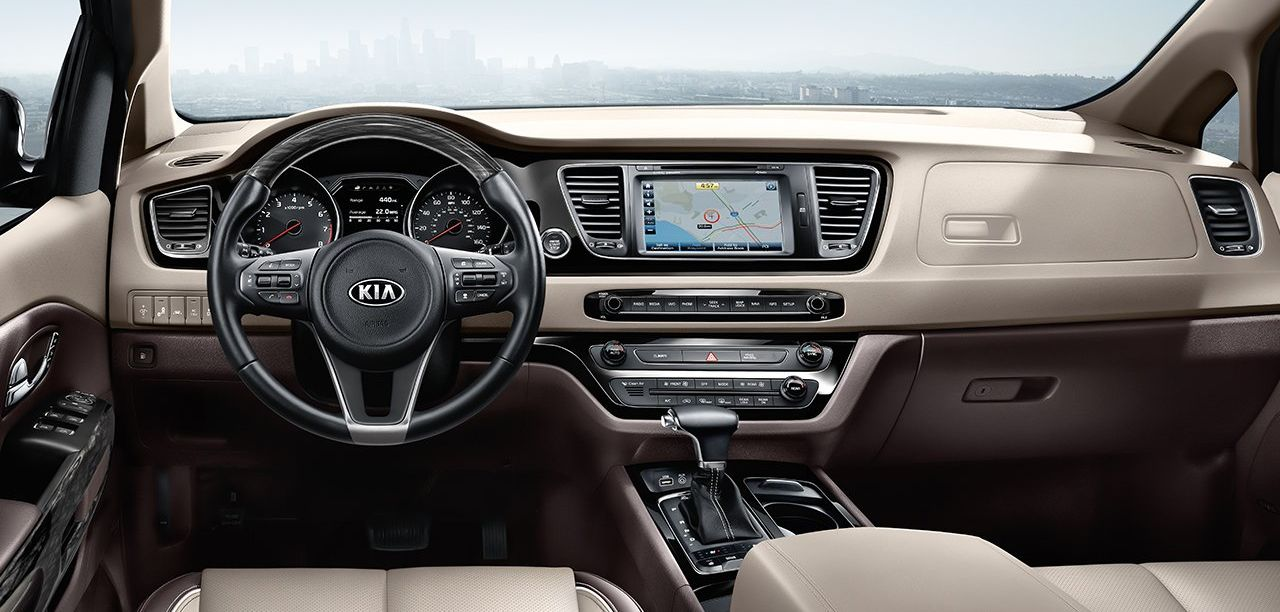 Tech-Loaded Cabin of the 2018 Kia Sedona