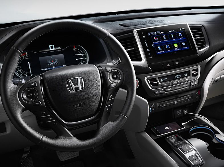 Interior of the 2018 Honda Pilot