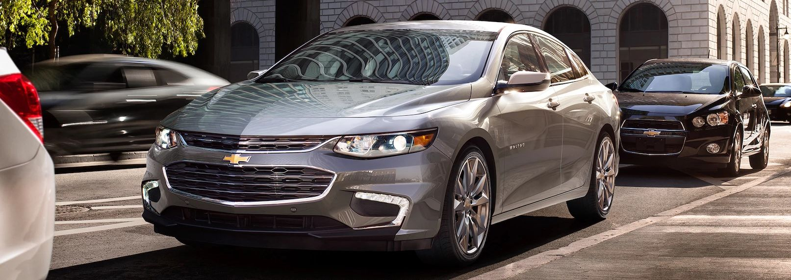 2018 Chevrolet Malibu vs 2018 Honda Accord near Valparaiso, IN
