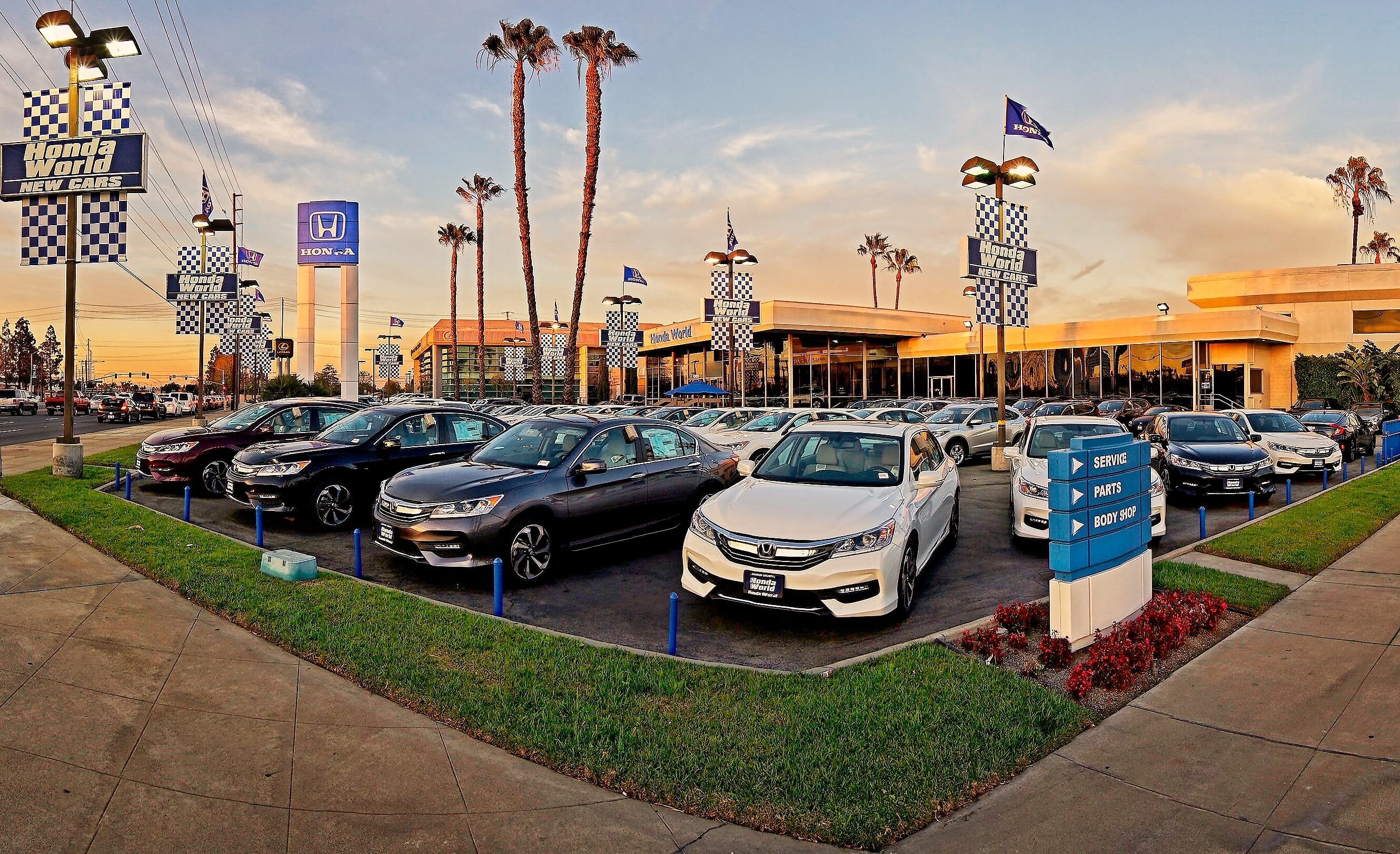 Honda Dealership Orange County >> About Us Honda World Oc Westminster California 92683