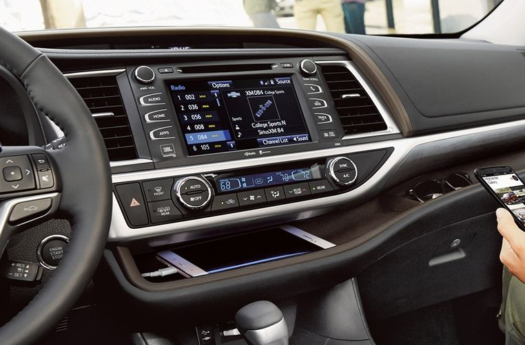 Interior of the 2018 Toyota Highlander