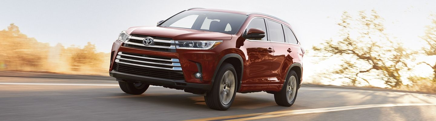 2018 Toyota Highlander Leasing near Dekalb, IL