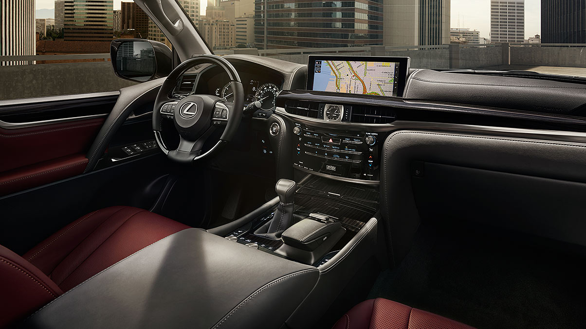 Tech-Loaded Interior of the 2018 Lexus LX 570