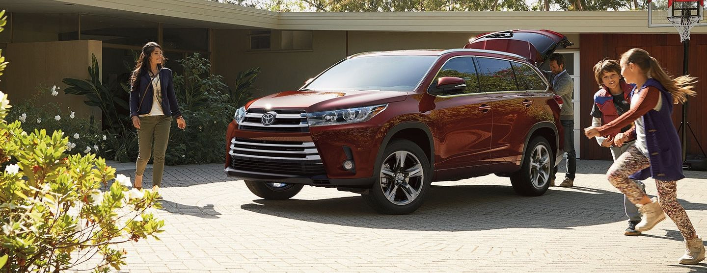 Toyota Highlander Owners Manual: Engine oil