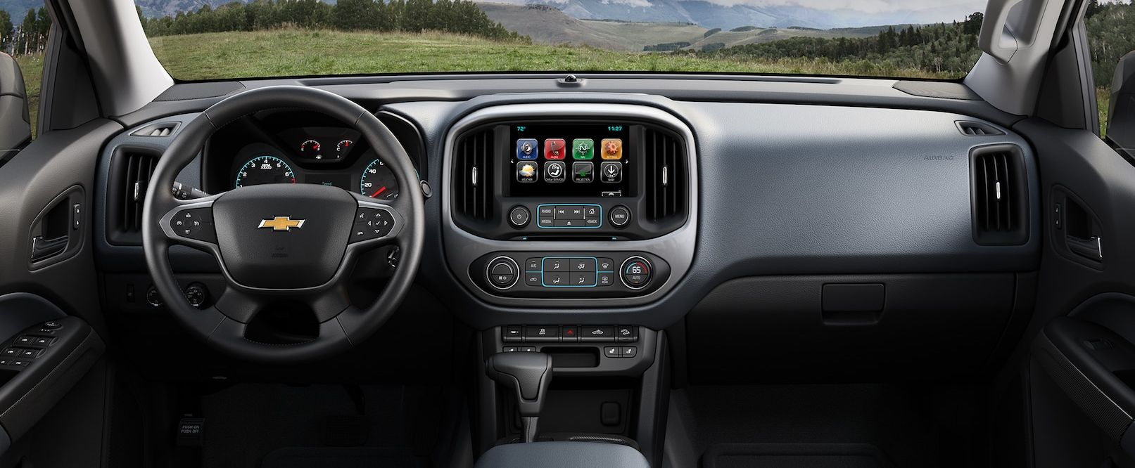 Tech-Loaded Interior of the 2018 Chevy Colorado