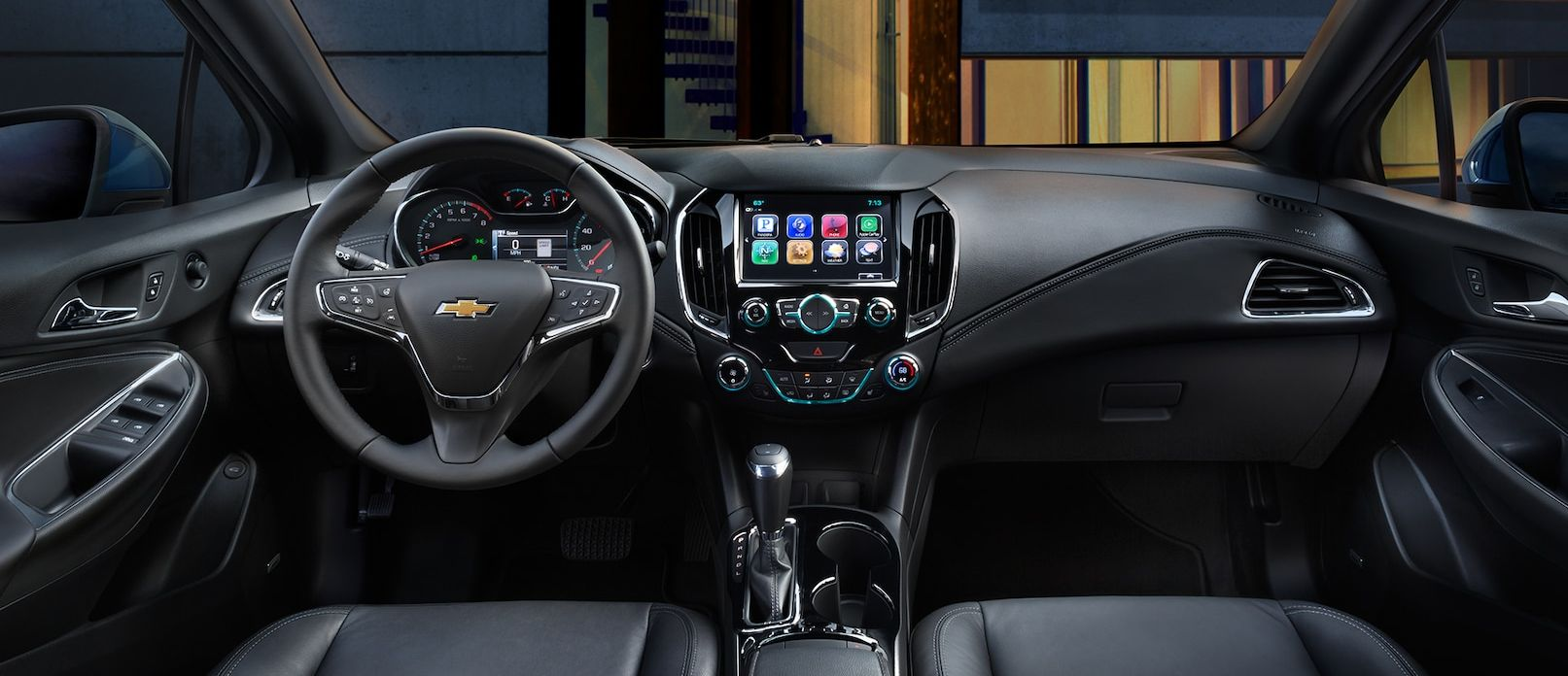 Tech-Loaded Interior of the 2018 Chevy Cruze