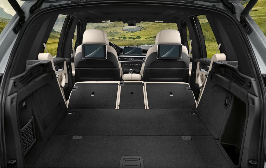 Spacious Cargo Space in the BMW X5