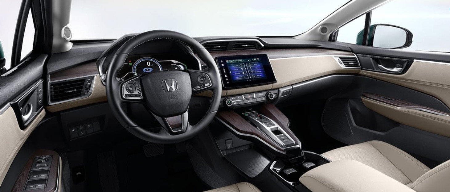 Interior of the 2018 Honda Clarity Plug-In Hybrid