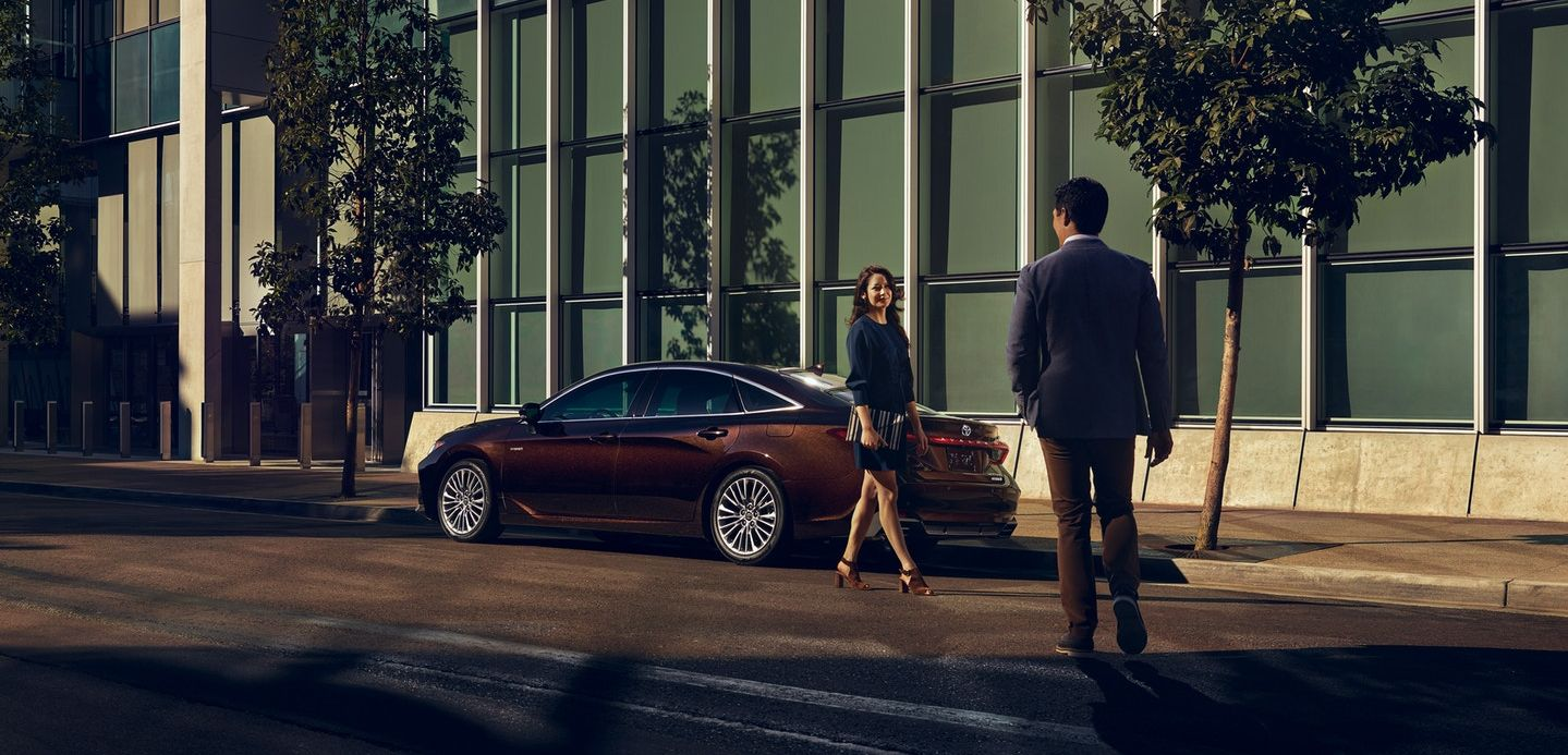 2019 Toyota Avalon Hybrid Financing near Rockford, IL