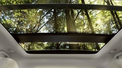 Available Moonroof in the Pathfinder Midnight Edition