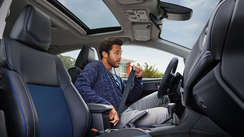 Toyota Corolla Owners Manual: Head restraints