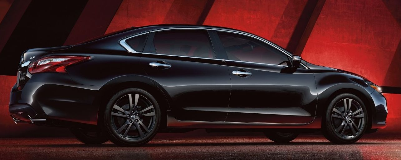 2018 Nissan Altima Leasing near Dundee, IL