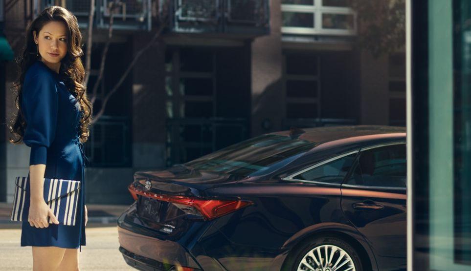 2019 Toyota Avalon Hybrid for Sale near Leawood, KS