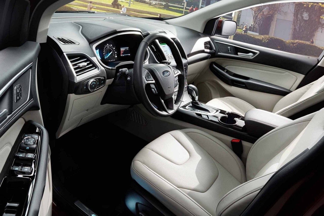 Interior of the 2018 Ford Edge