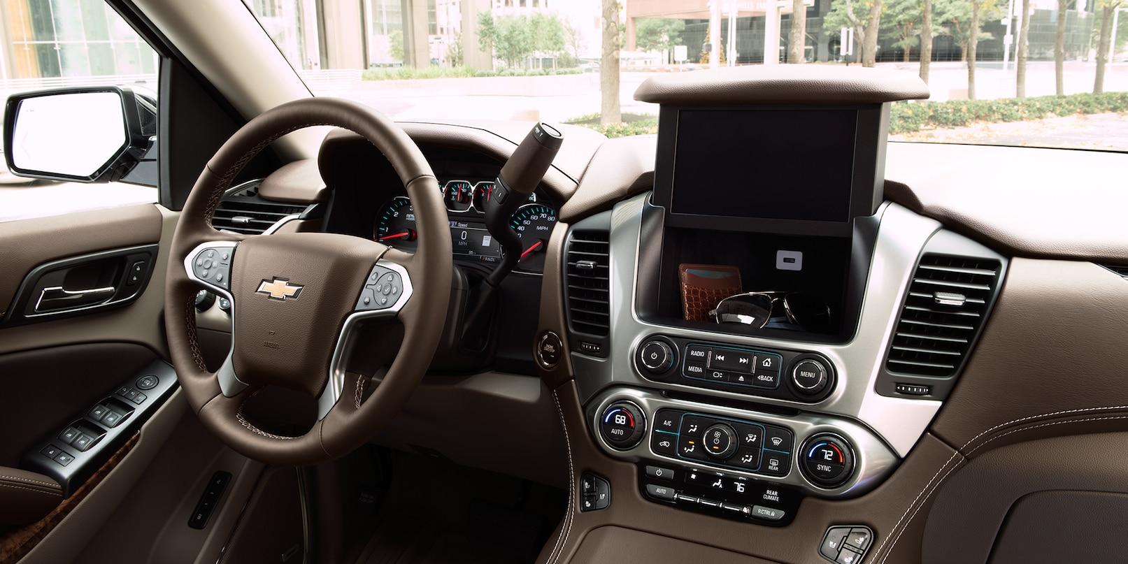 Plenty of Technology Inside the Chevrolet Suburban!