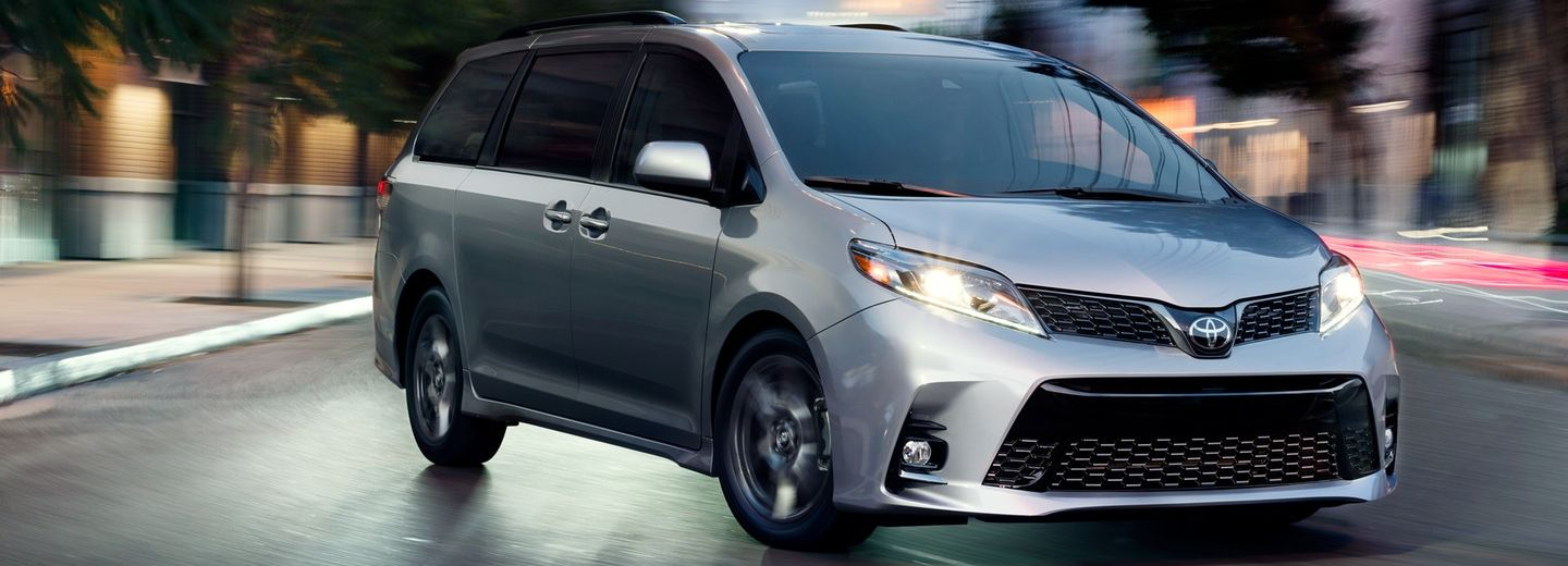 2018 Toyota Sienna for Sale near Roseville, IL
