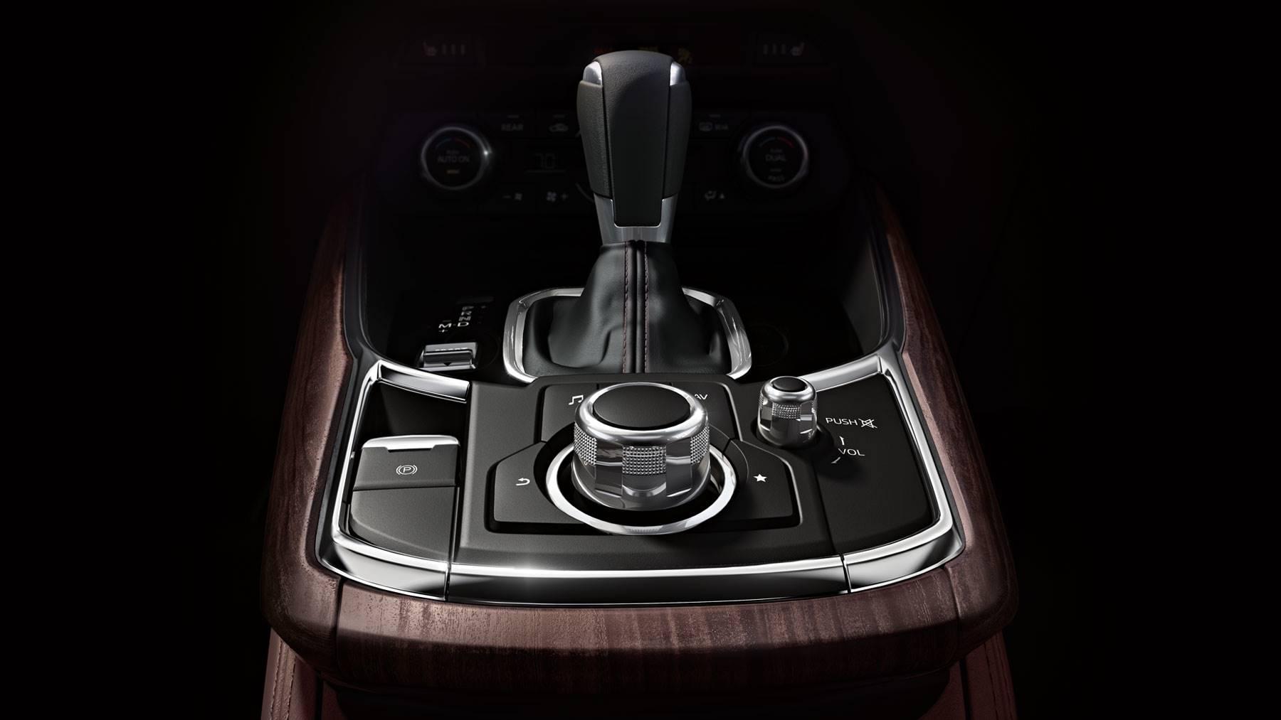 Interior of the 2018 Mazda CX-9