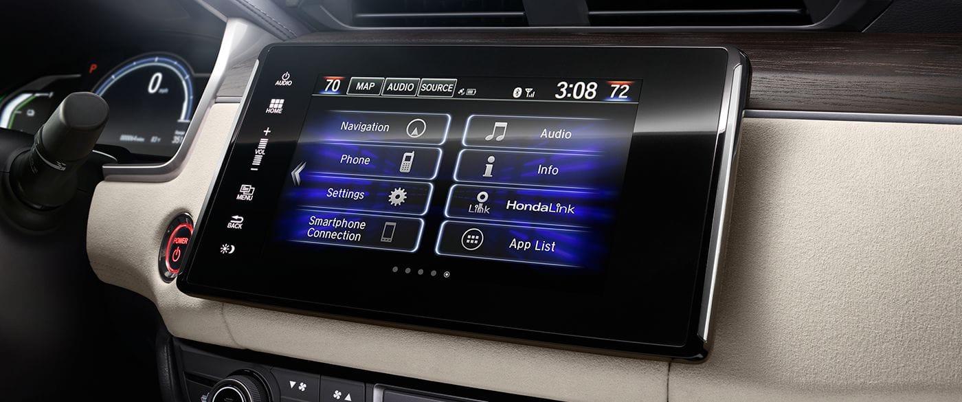 Convenient Technology Inside the Honda Clarity Plug-In Hybrid