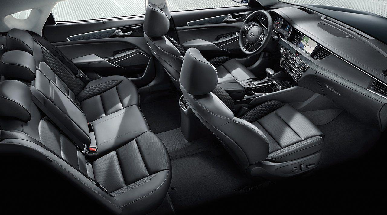 Accommodating Interior of the 2018 Kia Cadenza