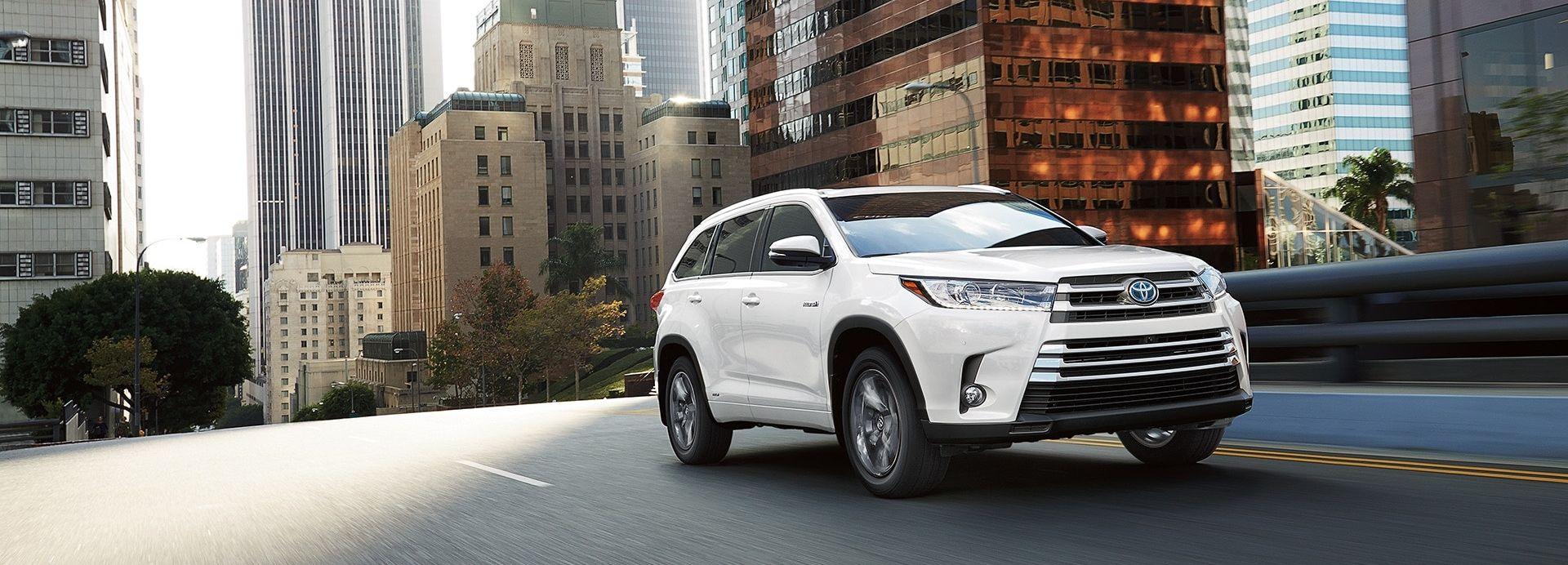 2018 Toyota Highlander Hybrid for Sale near Olathe, KS