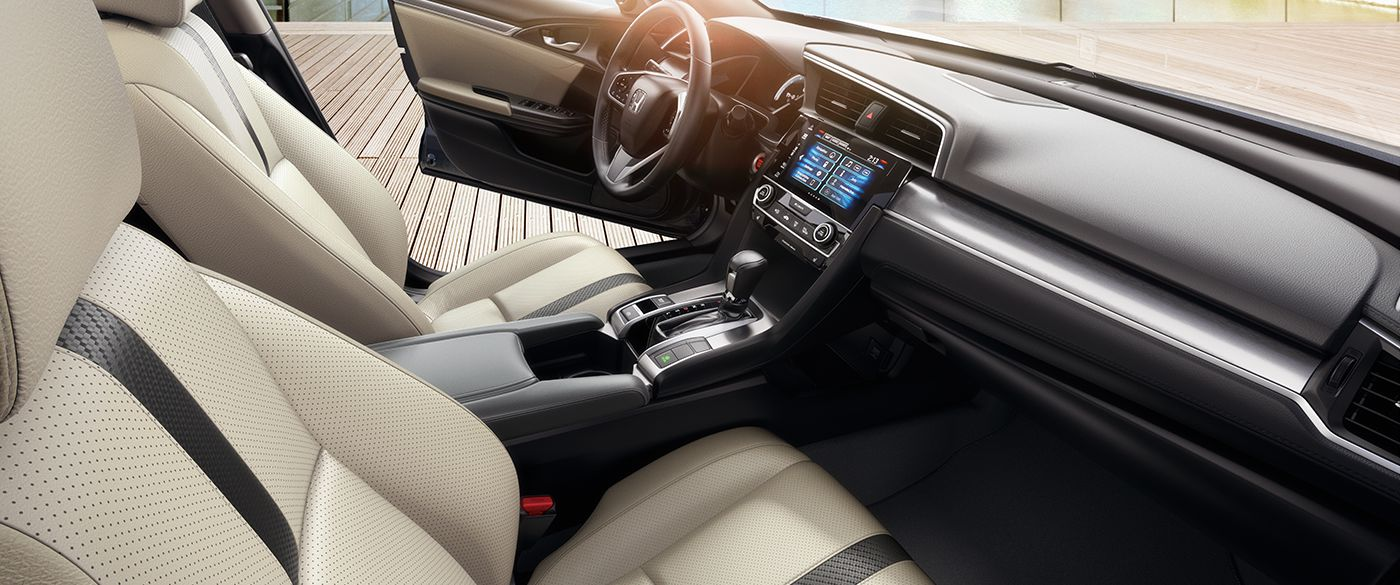 Luxurious Interior of the 2018 Honda Civic