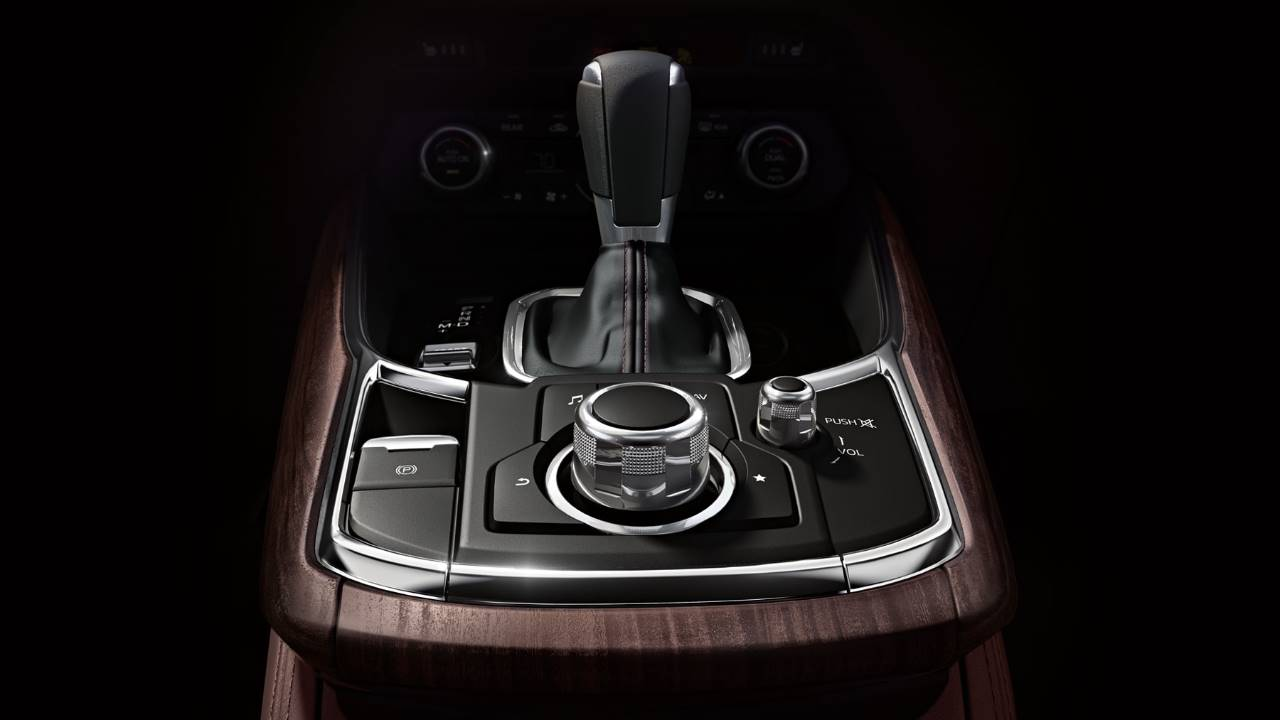 Luxurious Surroundings in the 2018 Mazda CX-9
