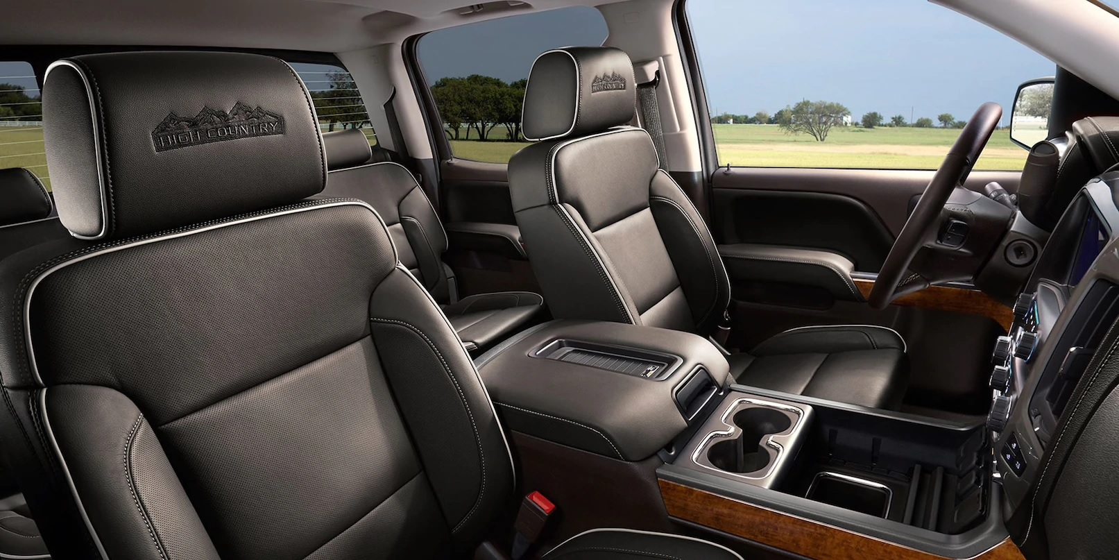 Enjoy Optimum Comfort During Any Drive in the Silverado 2500HD!